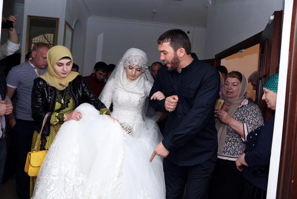 Чеченская свадьба с несовершеннолетней