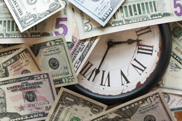 Часы и деньги