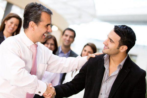 Рукопожатие успешных людей