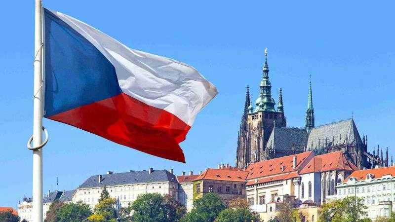 Оформление визы в Чехию на максимальный срок