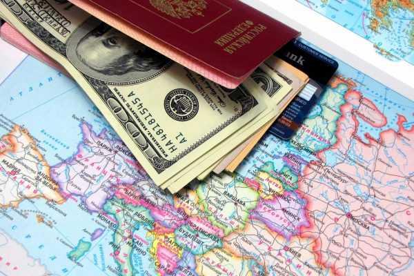 Паспорт, доллары и карта