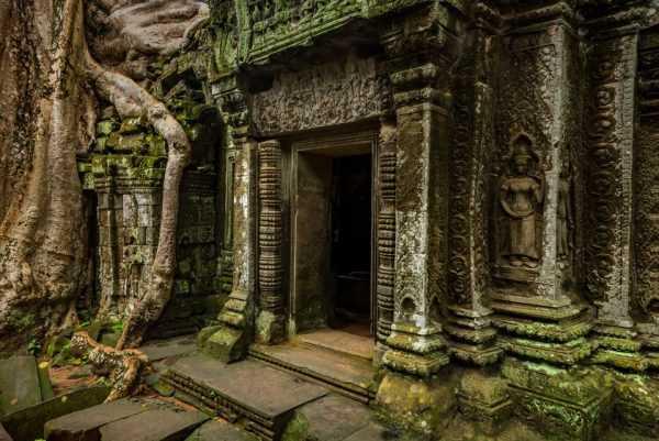 Древний храм в джунглях