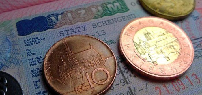 Чешские кроны и виза