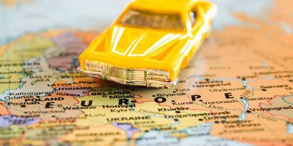 Машина на карте Европы