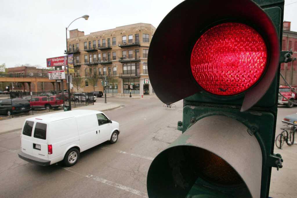 Штрафы за проезд на красный свет светофора в 2018 году