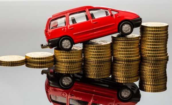 Автомобиль на монетах