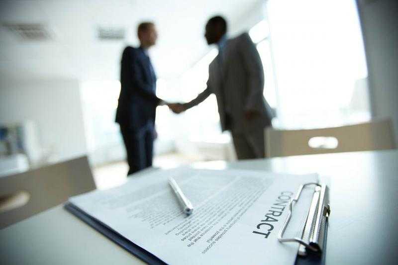 Специфика гражданско-правового договора на оказание услуг — преимущества и риски
