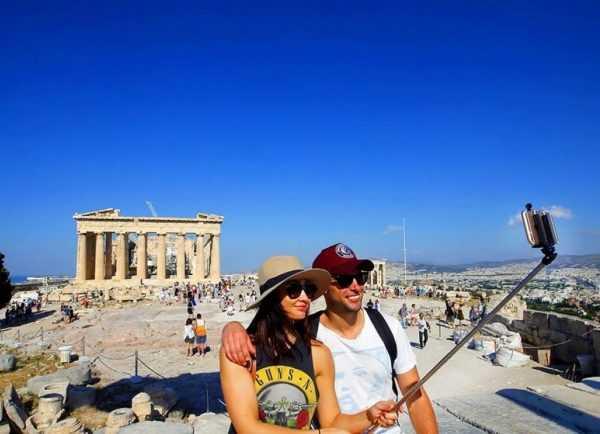 Селфи на фоне Акрополя