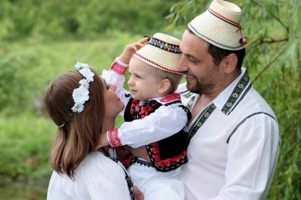 Семья в Румынии