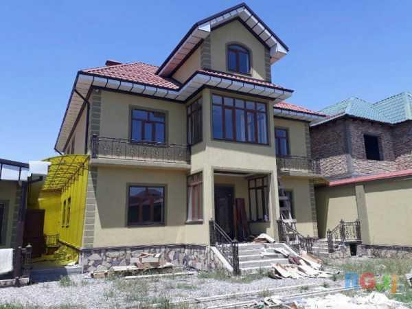Трёхэтажный жилой дом
