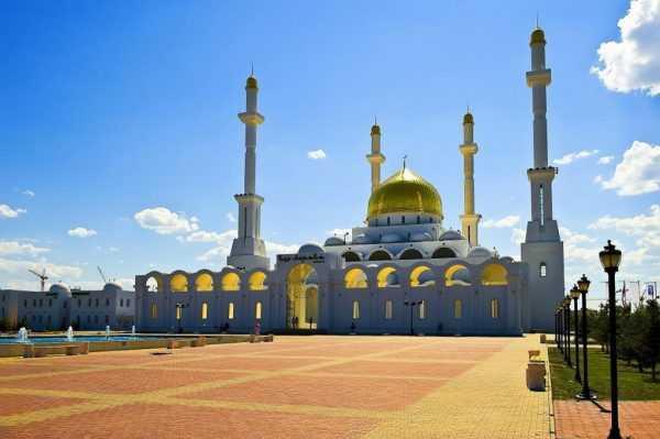 Мусульманская мечеть в Казахстане