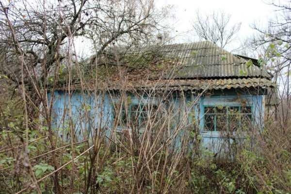 Заброшенный участок с домом