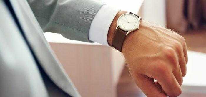 Часы на руки мужчины