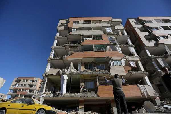 Землетрясение разрушило дом