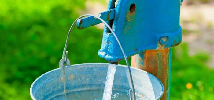 колонка с водой