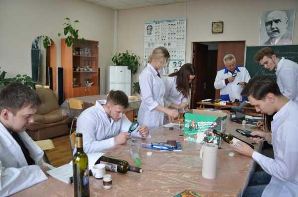 Студенты на практическом занятии в аудитории